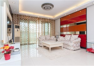 珠江帝景赏湖轩 东北向三加一房  豪华装修 方便看房
